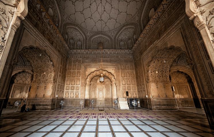 interior Masjid Badshahi Lahore