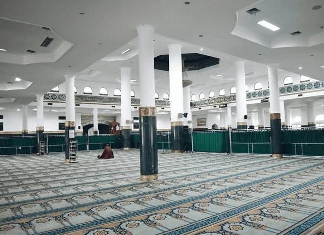 interior masjid agung an nur