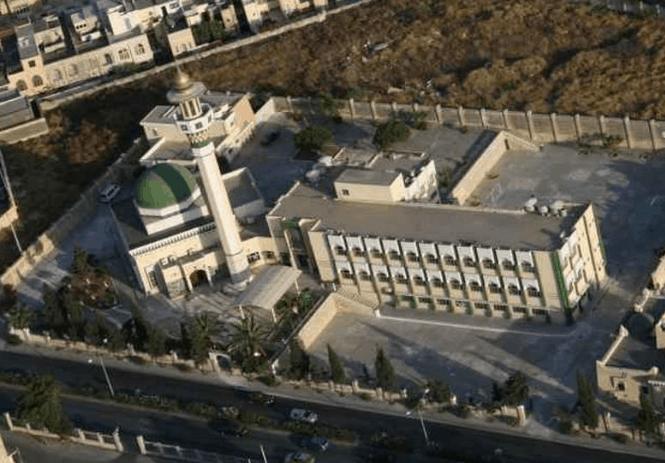 kawasan masjid paola