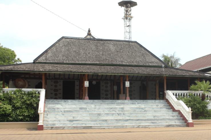 masjid mantingan atap susun satu