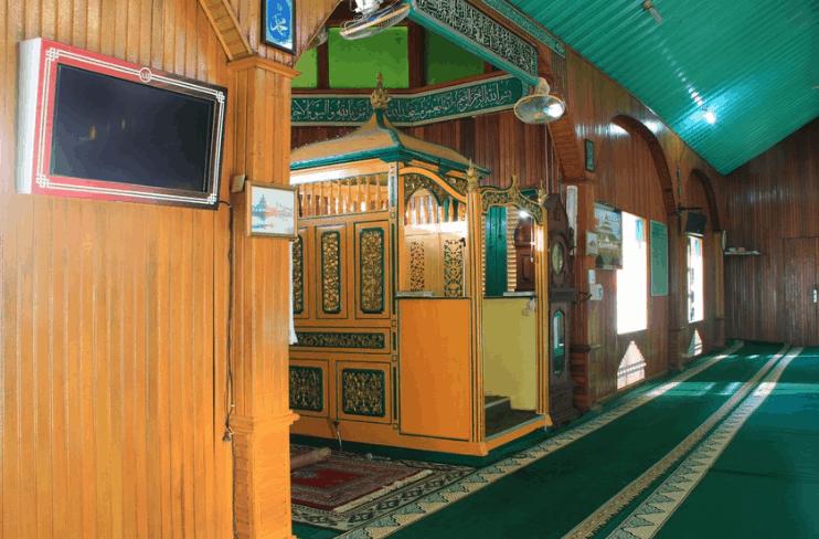 mimbar masjid pontianak