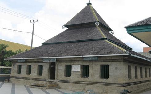 pesona masjid tua palopo