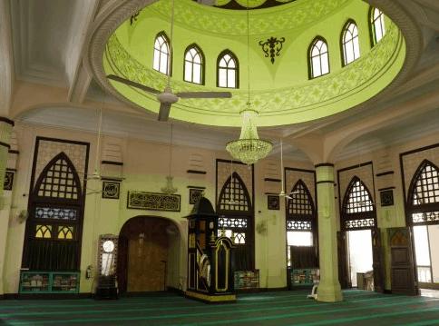 interior Masjid Hajjah Fatimah