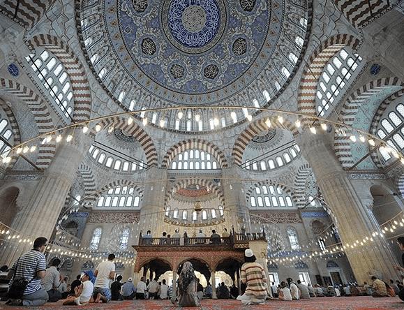 interior Masjid Selimiye