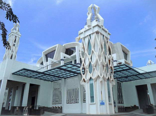 Arsitektur Islam Modern Masjid Babuttaqwa 1
