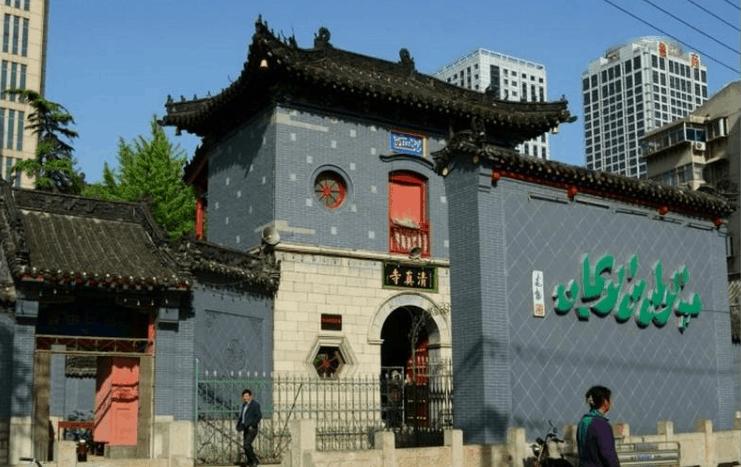 Masjid di Kota Urumqi di Provinsi Xinjiang 1