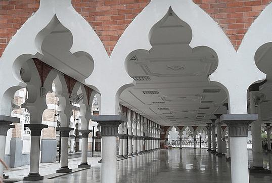 Pesona Masjid Jamek Kuala Lumpur Malaysia 2