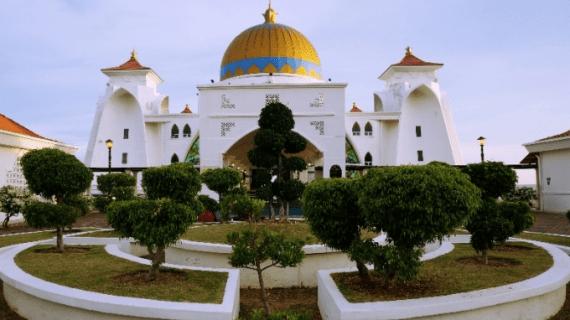 Pesona Masjid Selat Malaka
