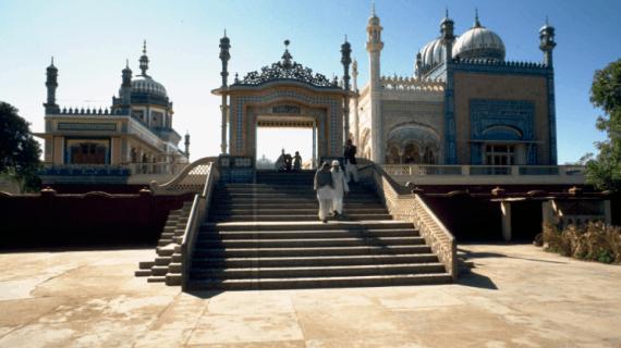 Masjid Bhong di Pakistan