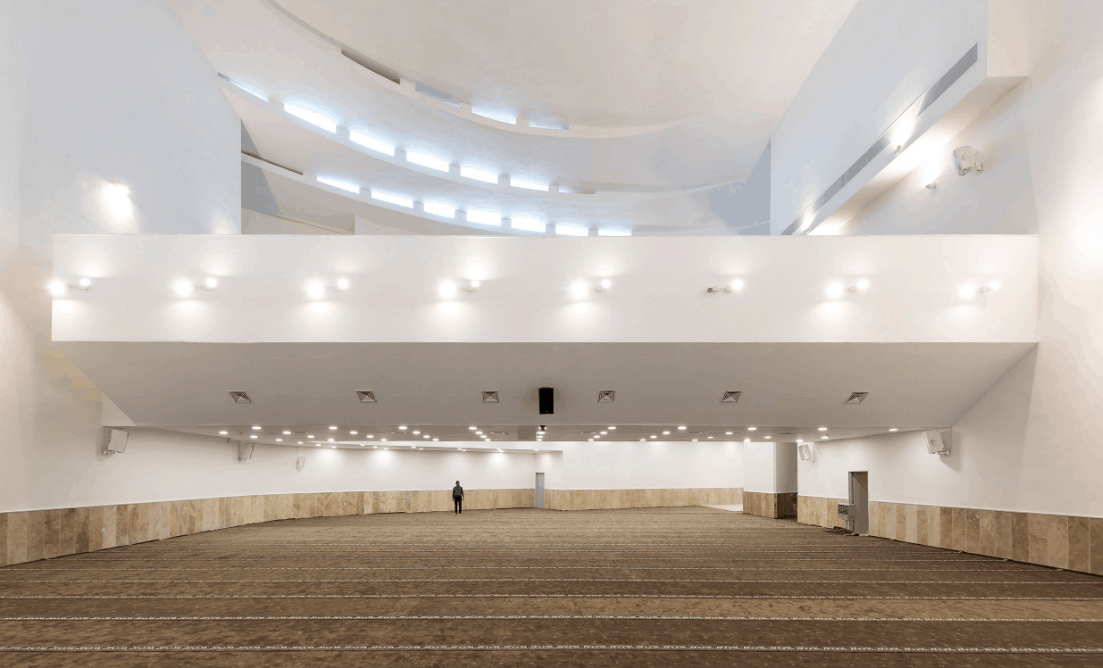 Dua Masjid dengan Arsitektur Modern 4