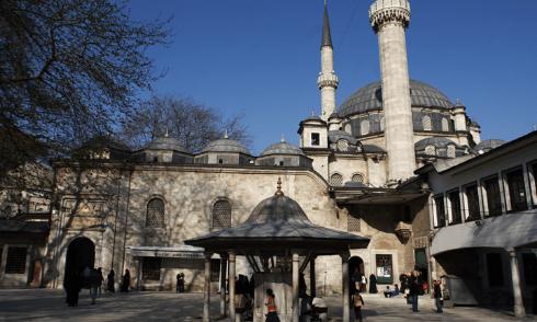 Masjid-masjid yang Menakjubkan di Istanbul 3