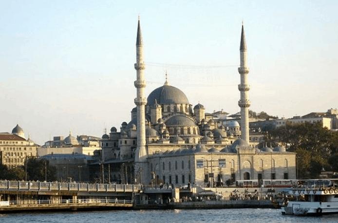 Masjid dengan Arsitektur Terbaik di Istanbul (1) 3