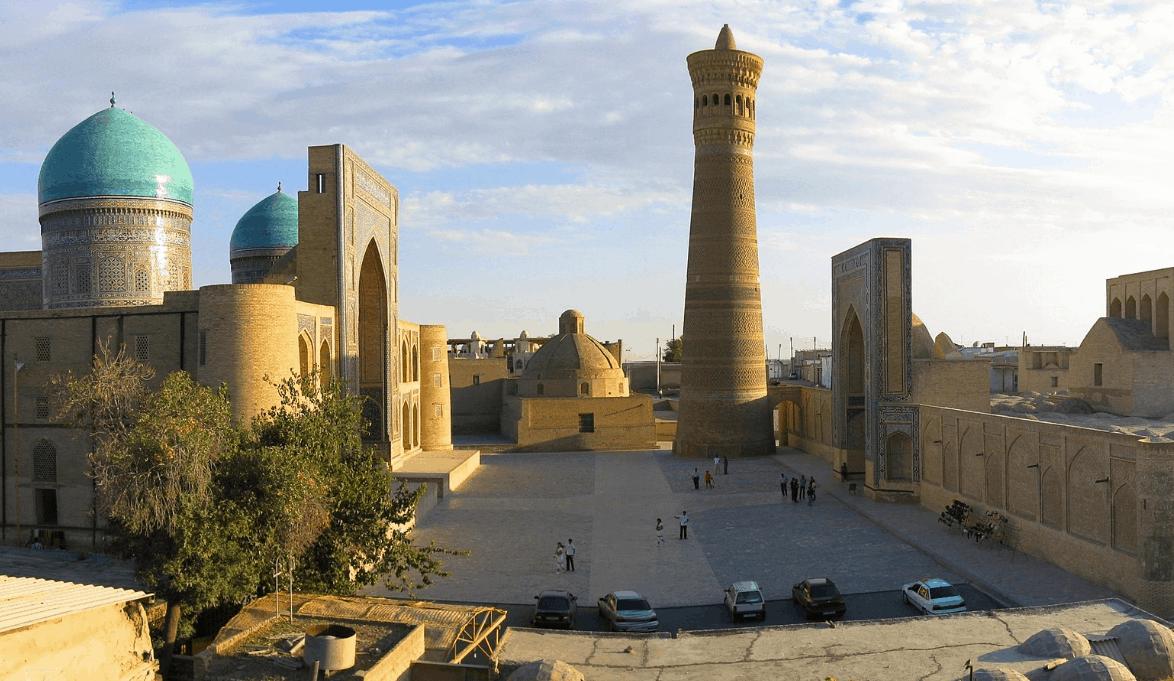 Masjid dan Menara Kalon 2