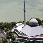 Masjid Malaysia dengan Arsitektur Luar Biasa
