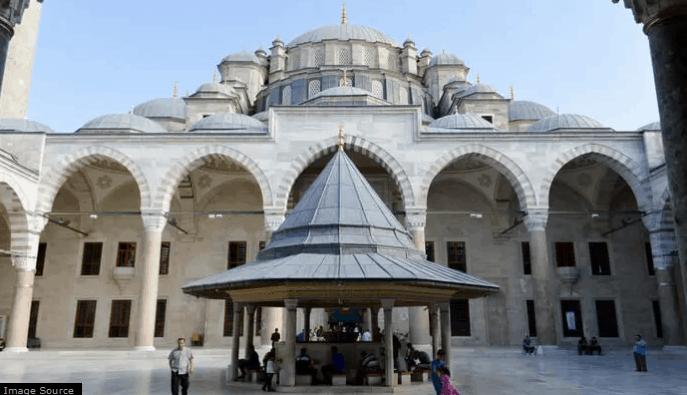 Masjid di Negeri Kincir Angin 3