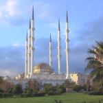 Masjid Mugdat di Mersin, Turki