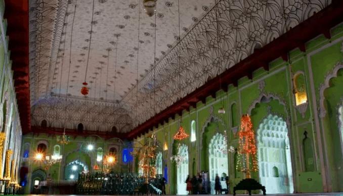 Masjid di India dengan Arsitektur Islam Terbaik 8