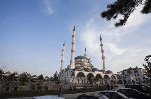 Masjid Kirikkale Nur di Turki 1