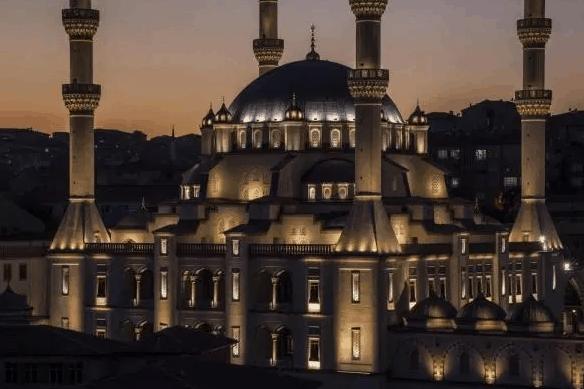 Masjid Kirikkale Nur di Turki 2