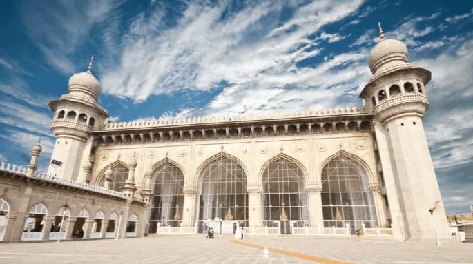 Masjid di India dengan Arsitektur Islam Terbaik 7