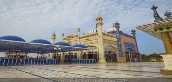 Masjid Luar Biasa di Pakistan