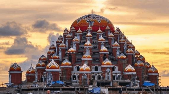 Masjid Asmaul Husnah 99 Kubah di Kota Makassar