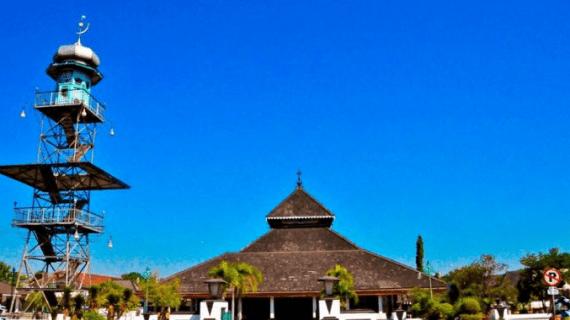 7 Keunikan Masjid Agung Demak