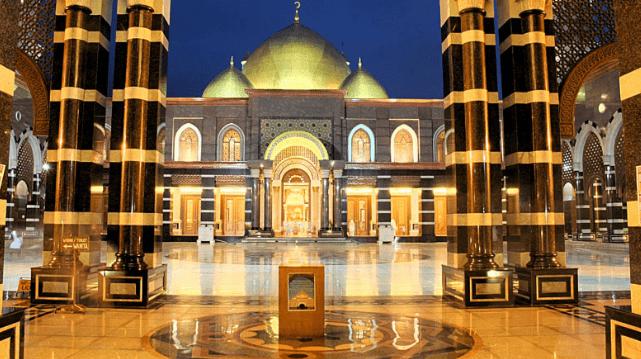 Pemilik Masjid Kubah Emas