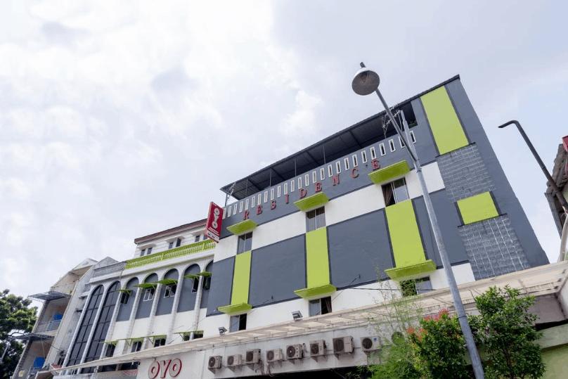 hotel dekat masjid raya medan