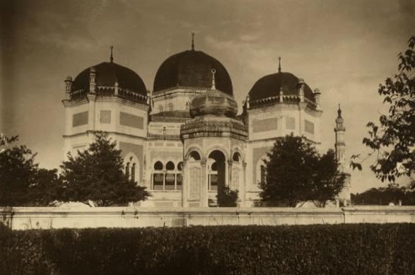 Masjid Al Mashun Medan