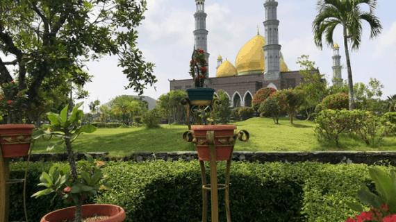 8 Fasilitas Masjid Kubah Emas Dian Al Mahri