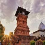 3 Keistimewaan Arsitektur Masjid Menara Kudus