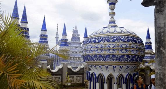 Perbedaaan Masjid Tiban di Turen Malang dengan 2 Masjid Tiban Lainnya