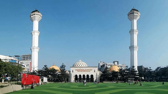 6 Fakta MenarikMasjid Agung Bandung