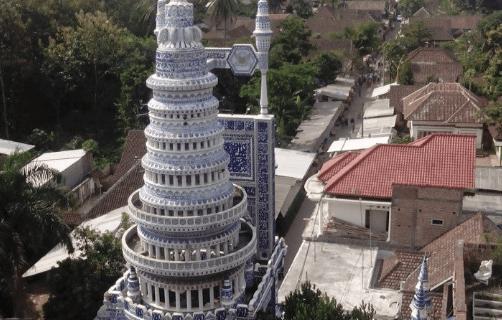 7 Fakta Menarik Masjid Tiban Malang