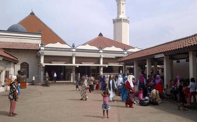 Masjid Luar Batang Jakarta