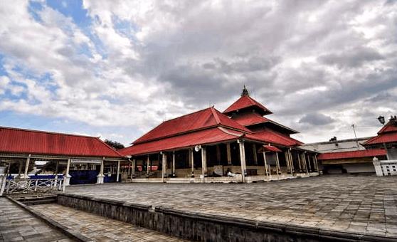 Sejarah Masjid Gedhe Kauman