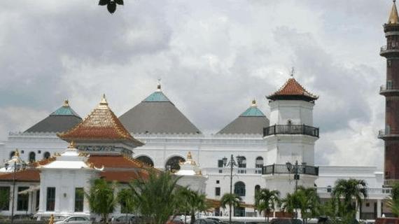 5 Perubahan Arsitektur Masjid Agung Palembang