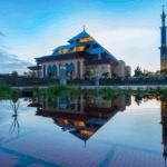 Pesona Masjid Agung Batam di Kota Industri