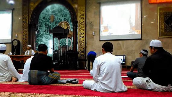 2 Faktor Masjid Agung Sunda Kelapa Menjadi Makmur