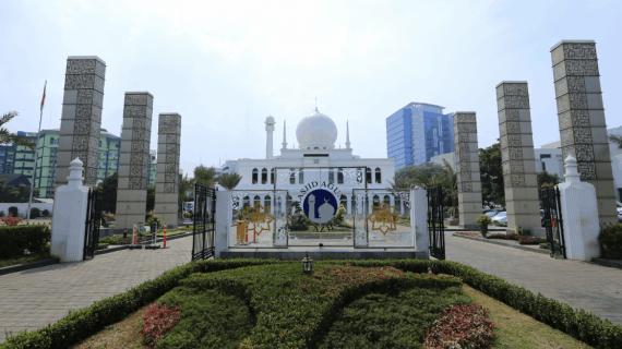 Masjid Agung Al-Azhar Menjadi Pioner Masjid Modern Di Indonesia