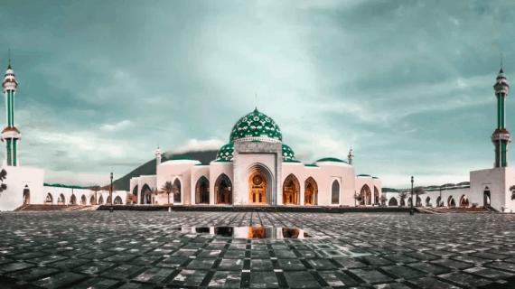 3 Masjid Terindah Di Indonesia