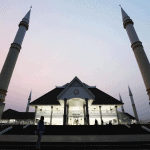 4 Kontroversi Masjid Raya Jakarta Daan Mogot