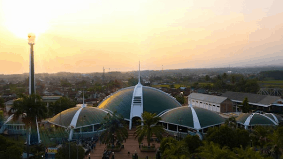 Menakjubkan ! 5 Masjid Terindah Di Jawa Timur